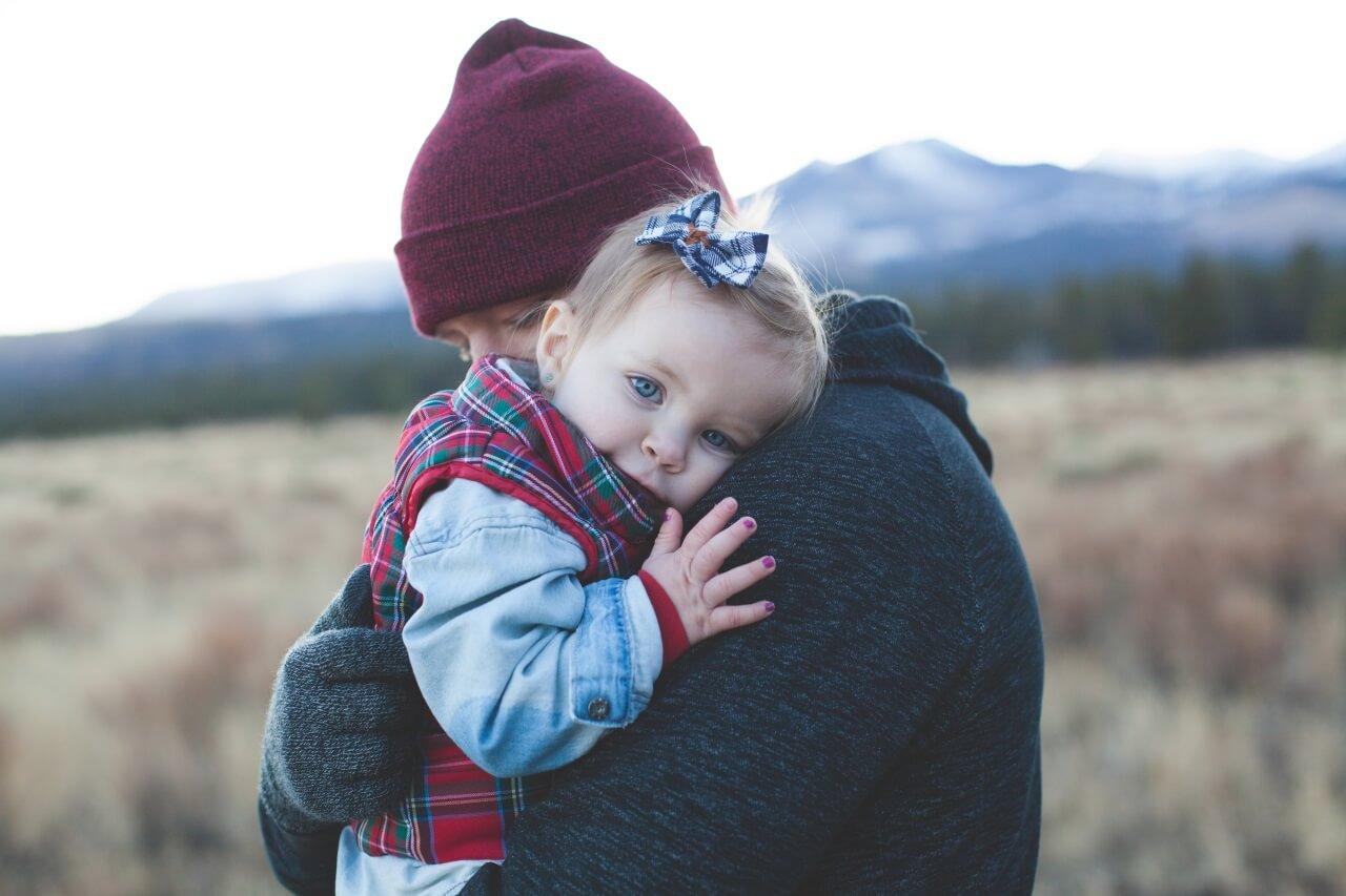 Kind im Arm