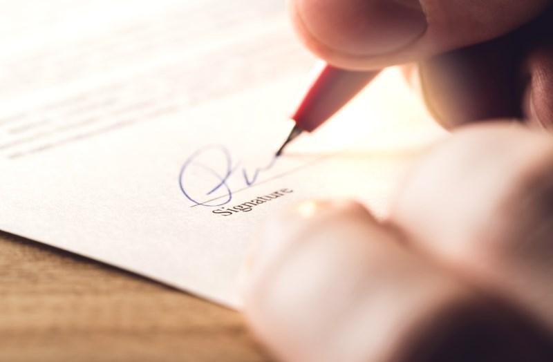 Berliner Testament: Unterschrift auf Dokument