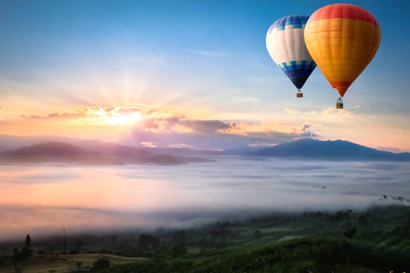 Mit dem Heißluftballon in der Luft