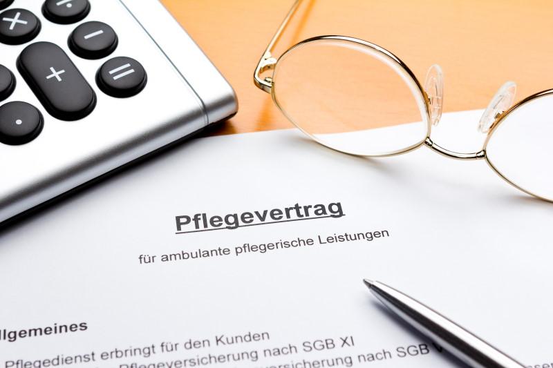 Pflegevertrag: Vertragsdokument als Beispiel