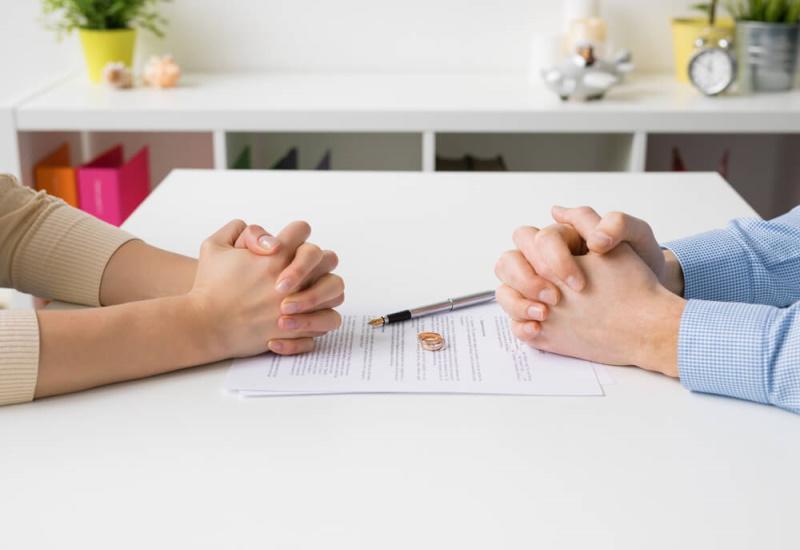 Paar Scheidung Vertrag
