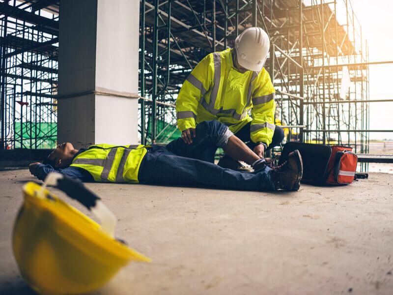 UnGegen Arbeitsunfälle sind Arbeitnehmer über die gesetzliche Unfallversicherung versichert