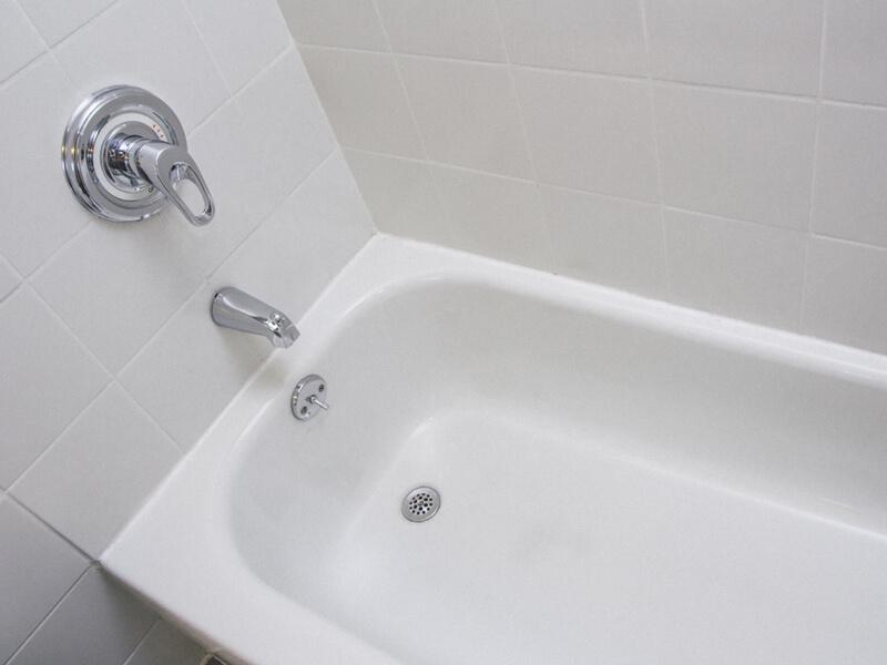 Passende Badewanne für Badewannenlift in Stuhlform